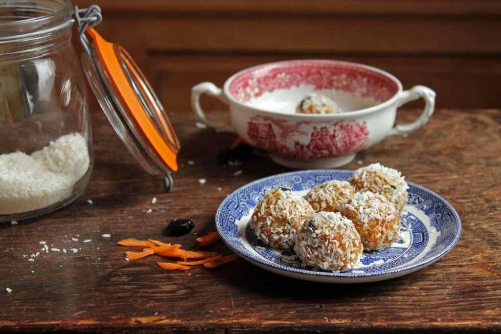 Carrot Cake Protein Balls | Veggie Desserts Blog