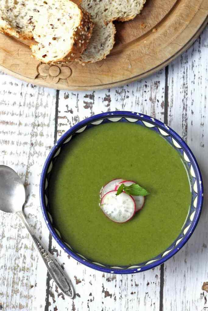 Pea and Kale Soup with Mint | Veggie Desserts Blog