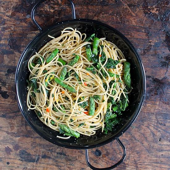 Spaghetti with Kale, Asparagus, Lemon and Chilli | Vegan | Veggie Desserts Blog