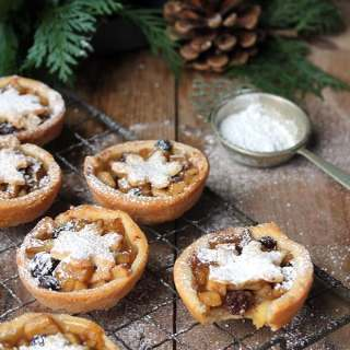 Sweet Apple and Cider Mince Pies with Cheddar Pastry | Veggie Desserts Blog