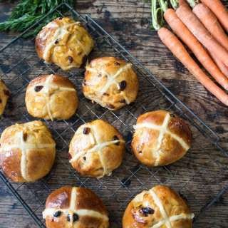 Carrot and Ginger Hot Cross Buns | Veggie Desserts Blog