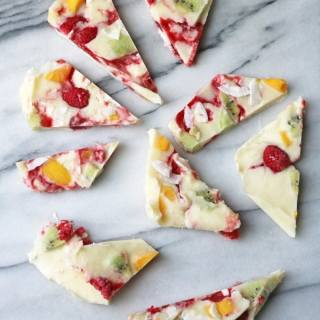Fruity Frozen Yogurt Bark | Veggie Desserts Blog