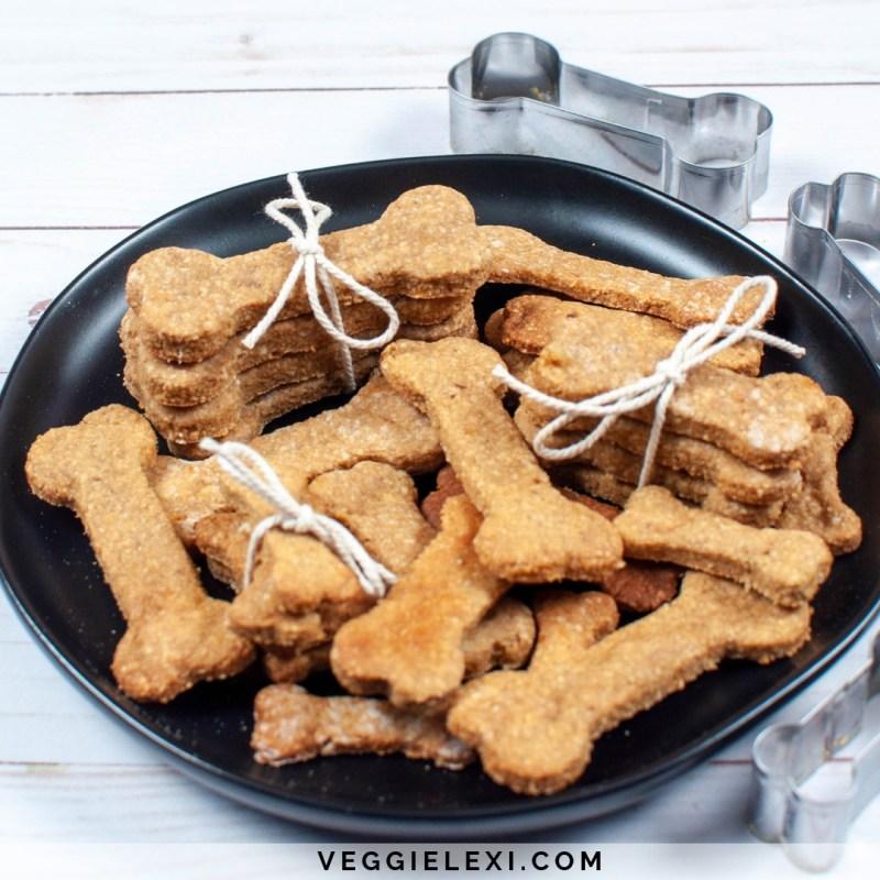 Peanut Butter Banana Oat Dog Treats, Vegan and Gluten Free - by Veggie Lexi