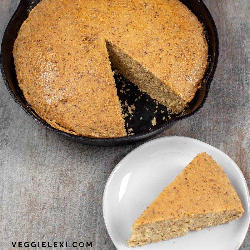 Enjoy this delicious vegan and gluten free cast iron skillet cornbread! Perfectly savory and just sweet enough. - by Veggie Lexi