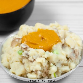 Try these delicious vegan skin-on garlic mashed potatoes for a tasty upgrade to your standard potato night! - by Veggie Lexi