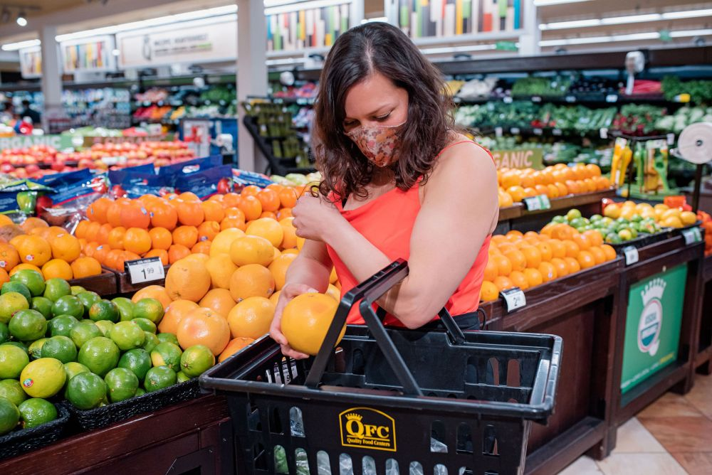 Learn to shop for the right groceries, eat at restaurants and travel while managing PCOS like a boss.