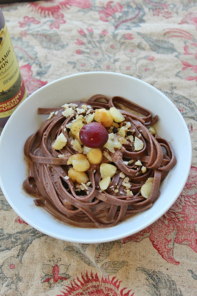 Decadent Dark Chocolate Linguine is exactly like it sounds. Cinnamon & sugar & a sweet indulgence of the taste buds. Perfect noms for Netflix & chill.