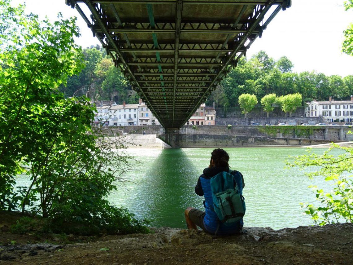 Man under the suspension bridge, Ile Barbe
