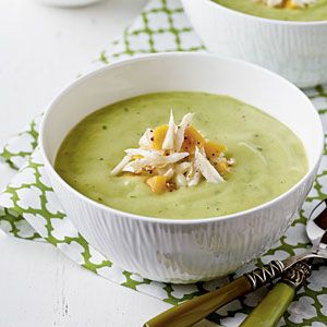 Avocado and zucchini cream soup