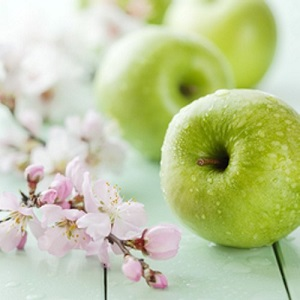 The temptation of the green apple