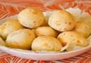 Aprenda a fazer pão de queijo vegano de batata e tapioca