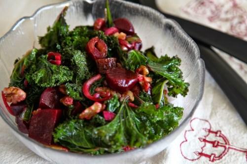Recept på Grönkålsallad med rödbetor