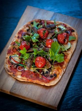 Grönsakspizza med Oumph! jerk och bladpersilja1