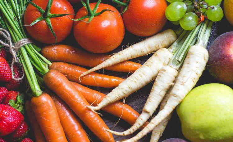Morötter, tomater och palsternackor