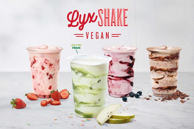 Flera olika milkshakes med texten Lyxshake vegan