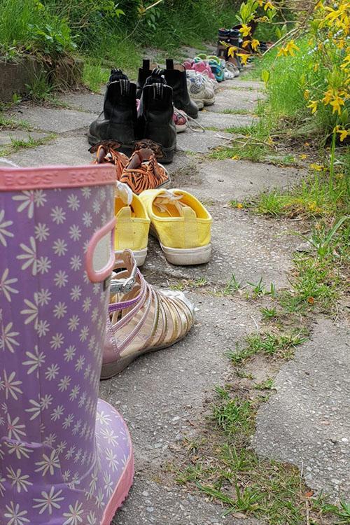 Flera par skor på rad