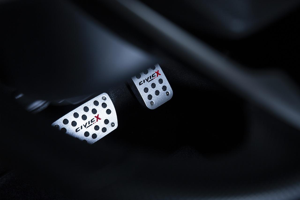 5 Motivos para você utilizar descanso de pé em inox no seu carro