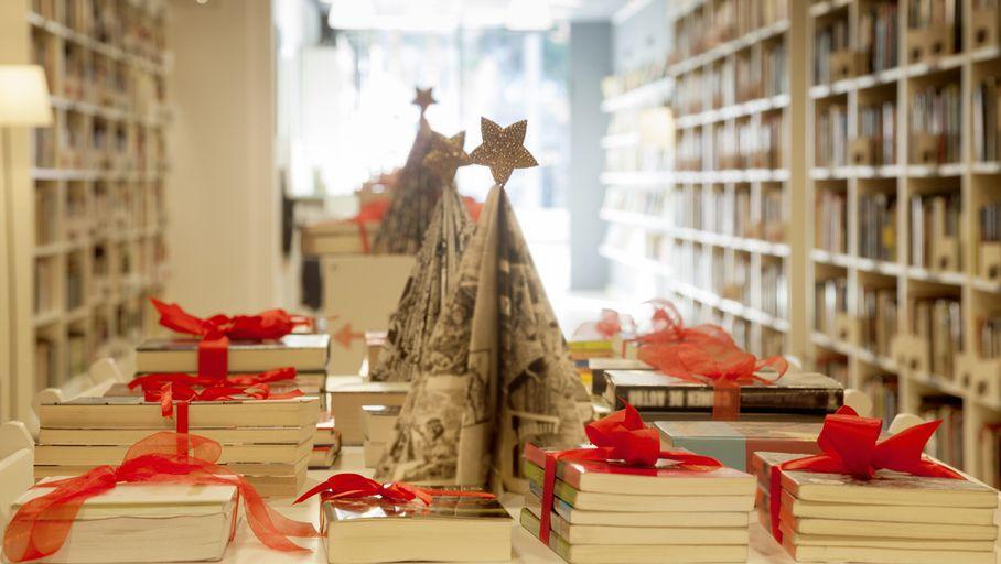 IA, espionnage, cyberharcèlement… notre sélection de livres high-tech pour Noël – Les Numériques