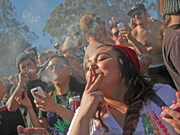 Crowd_Of_People_Smoking_Cannabis