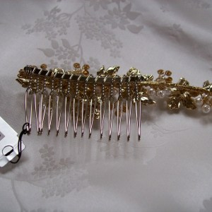 view back of gold wedding comb 001H