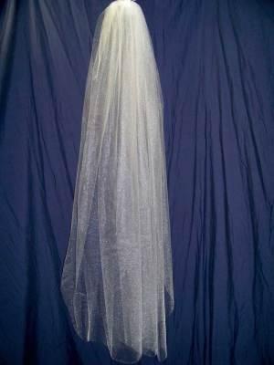 traditional fingertip veil
