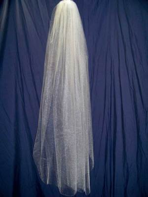 traditional fingertip veil