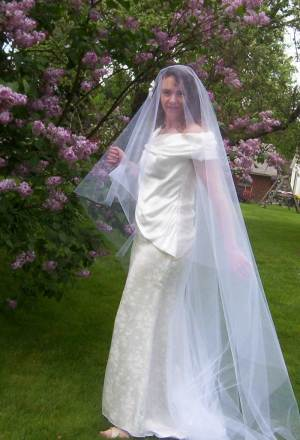 Blusher veil is drop veil