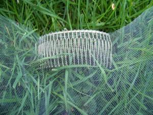 Mantilla veil with a metal comb