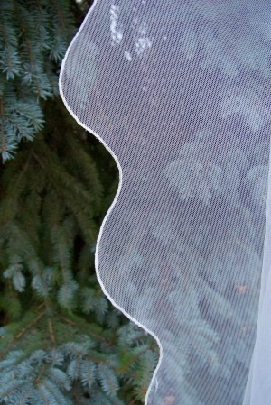 English net veil with scalloped edge