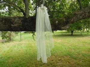 English net waterfall veil elbow length