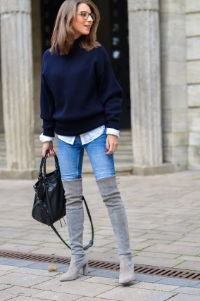 Outfit Herbst Oversized Pullover Overknee Boots Jeans optische Brille 2