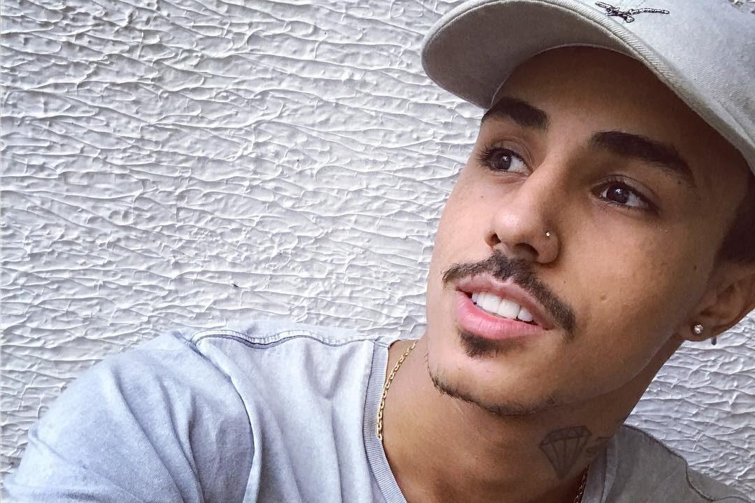 MC Livinho é detido no Ceará após confusão com empresário   VEJA