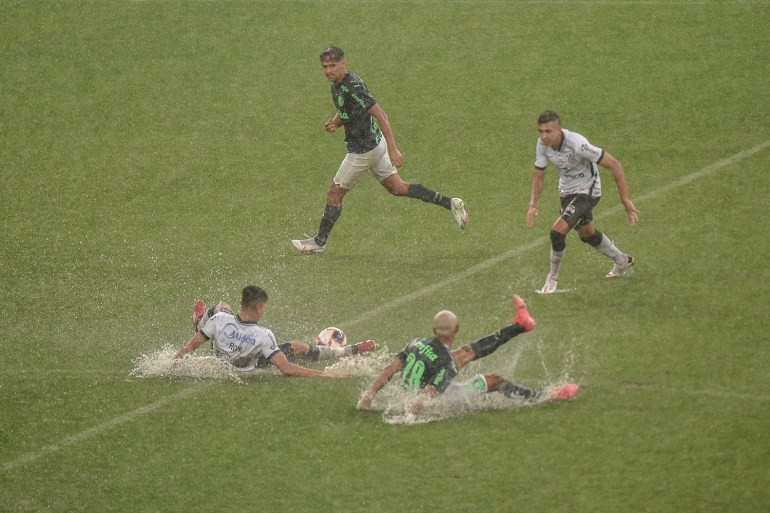 Paulistão: Corinthians e Palmeiras empatam com gols de jovens talentos | VEJA