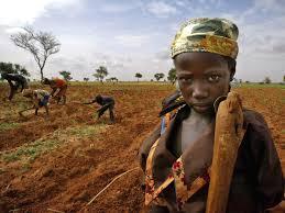 mulher-crianca-fome-africa