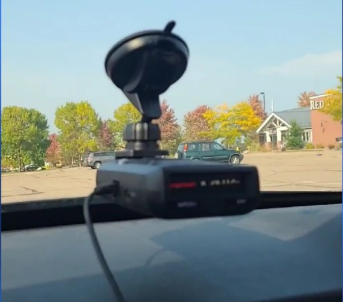 Uniden R1 Review, another picture of the radar detector, clearer
