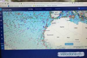 MarineTraffic:Oben rechts der Name vom Boot eingeben