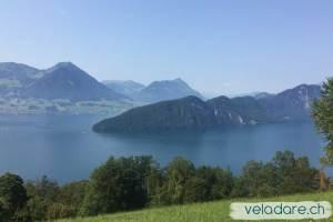 Vue sur le lac des 4 Cantons depuis le funiculaire du Rigi