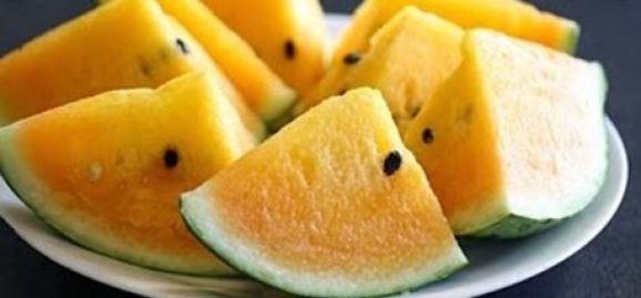 7 Manfaat Semangka Kuning dan perbedaanya dengan semangka merah