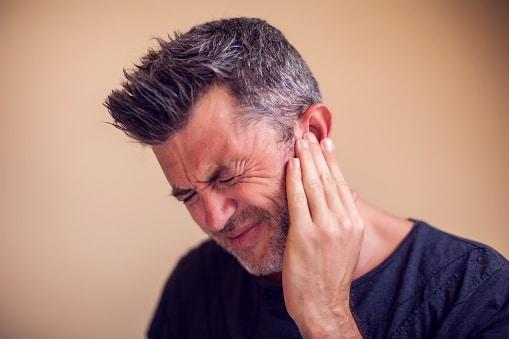 7 Cara Mengobati Sakit Telinga Bagian Dalam Secara Alami dan Medis