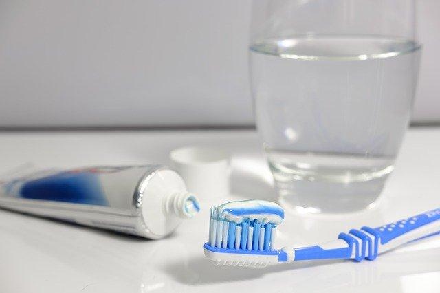 Rekomendasi 6 Pasta Gigi yang Mengandung Fluoride