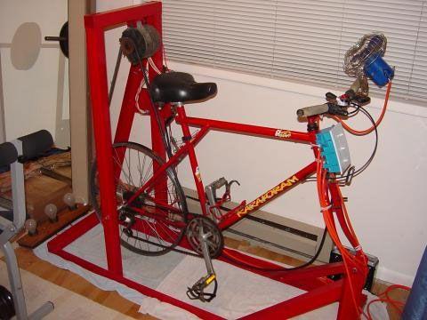 Xe đạp tập thể dục tự làm với máy phát điện