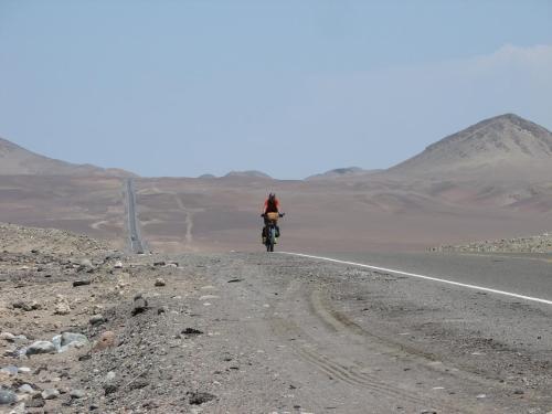 Une ligne droite interminable en Amérique du Sud.