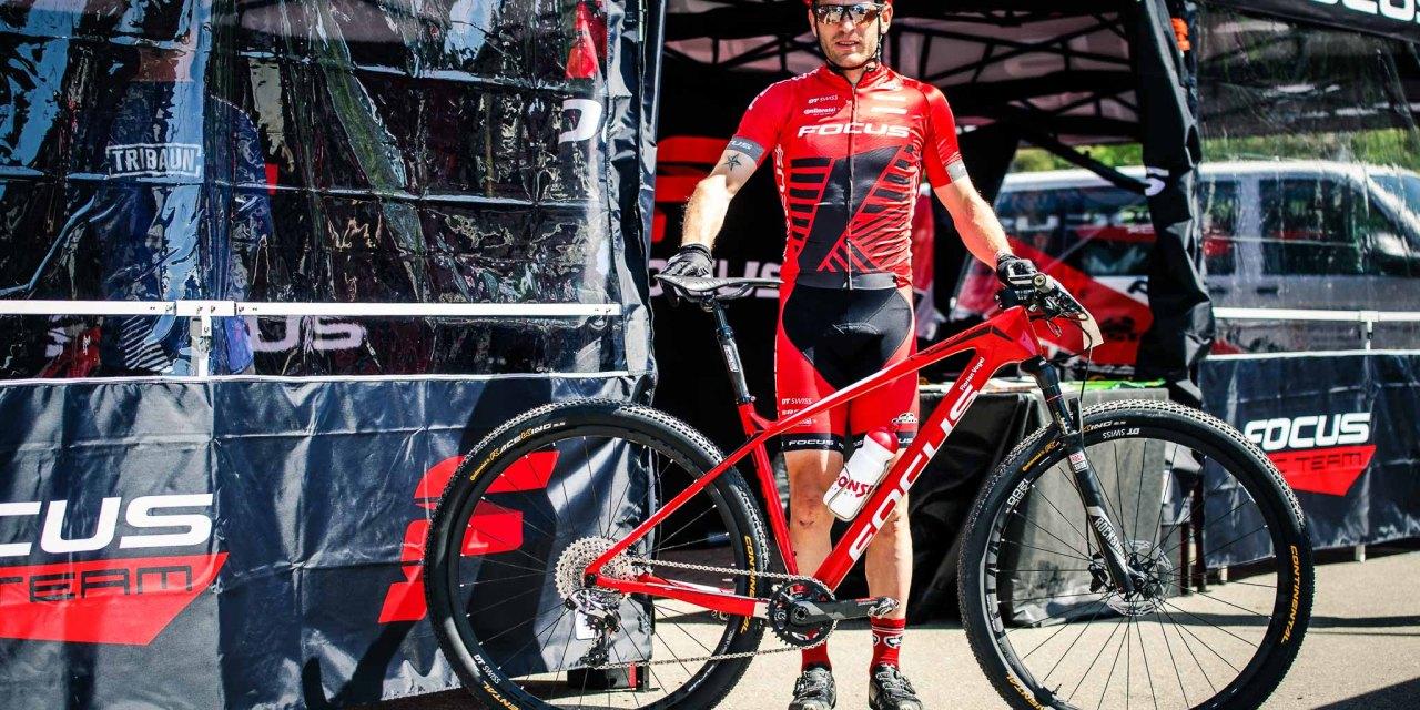 Florian Vogel range son vélo