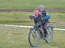"""""""papa-maman, le cheval c'est as-been, je veux un vélo!!!!"""""""