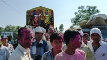 On est pris dans une des innombrables fetes hindoues,,, Nepal