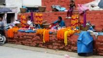 Vendeuse d'offrandes, Kathmandu, Nepal