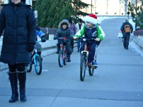 Calgary AB, Prince's Island Bridge, Children are Winter Cyclists to ©Photograph by H-JEH Becker, 2012