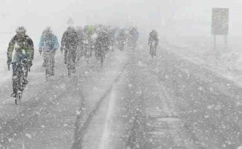 Not really ideal conditions for a bunch sprint (image courtesy of G van Bohemen)