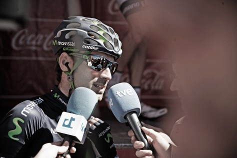 Alejandro Valverde doing press before the start of stage 1