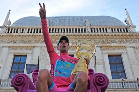 Nice chair ... (Image: Giro d'Italia)